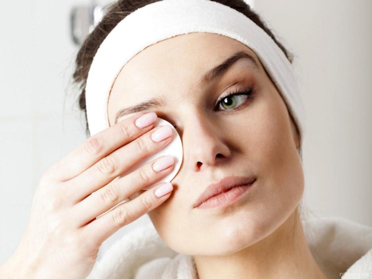 Как правильно смывать макияж с наращенных ресниц?